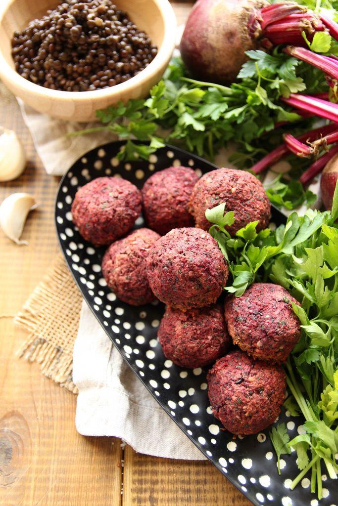 baked vegan beetroot and black lentil balls
