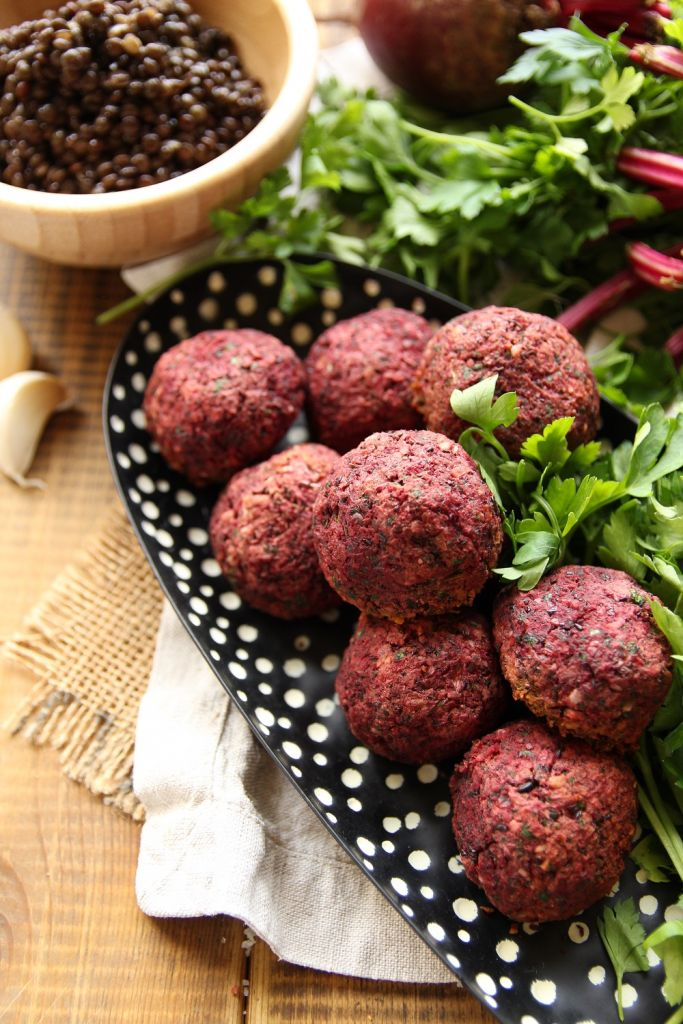baked vegan beetroot and black lentil balls