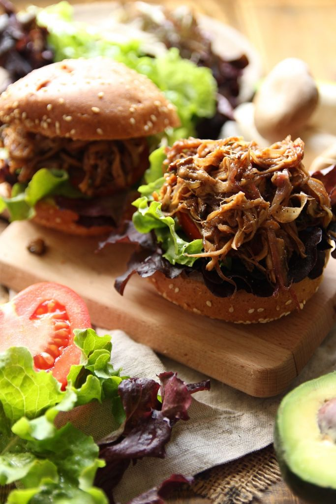 vegan pulled mushroom burger
