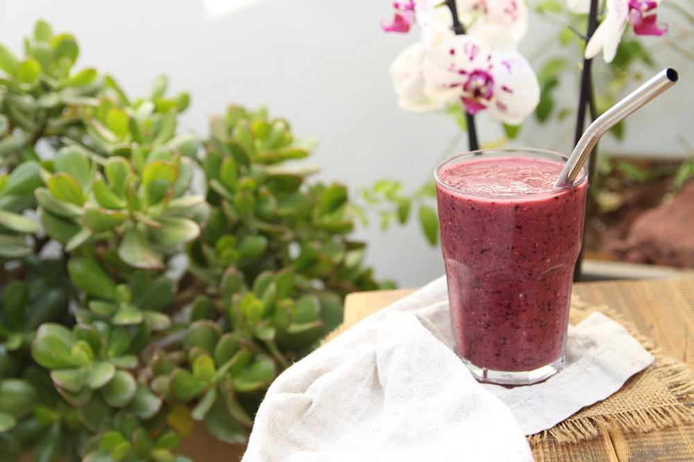 Super Healthy Energy Boosting Fruit Smoothie!